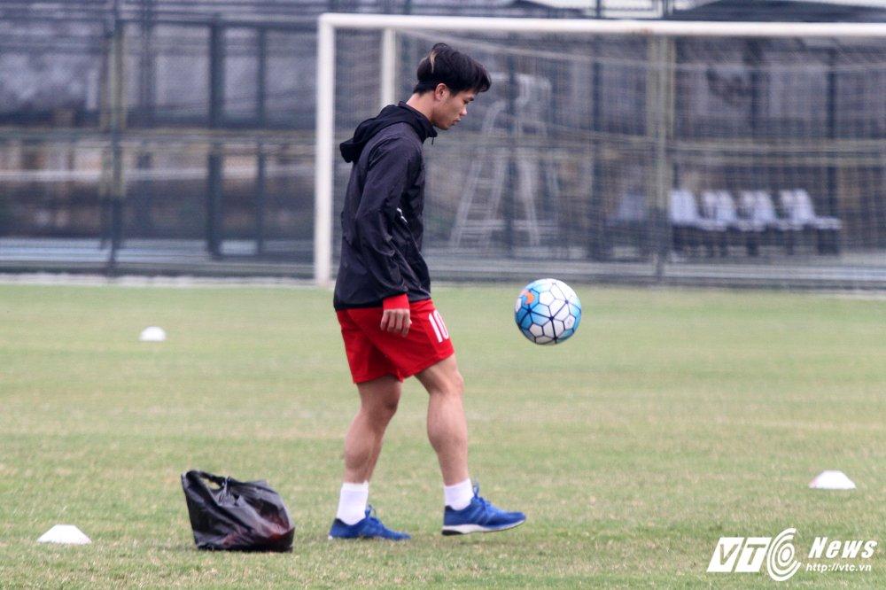 Cong Phuong hoi phuc nhanh, den luot HLV Park Hang Seo chan thuong hinh anh 1