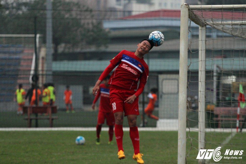 Cong Phuong hoi phuc nhanh, den luot HLV Park Hang Seo chan thuong hinh anh 10