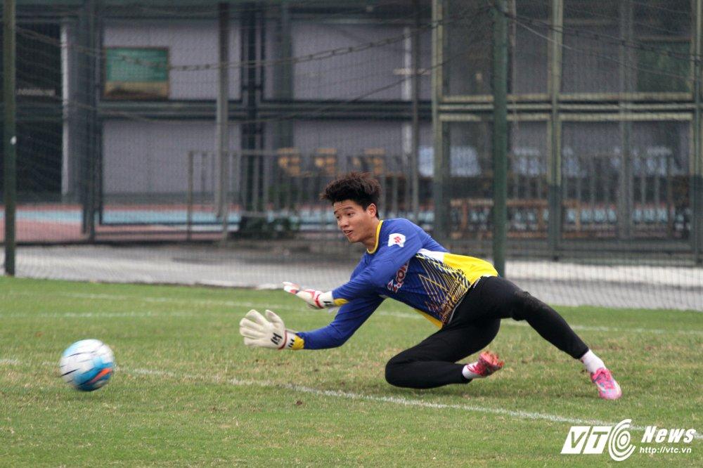 Cong Phuong hoi phuc nhanh, den luot HLV Park Hang Seo chan thuong hinh anh 6