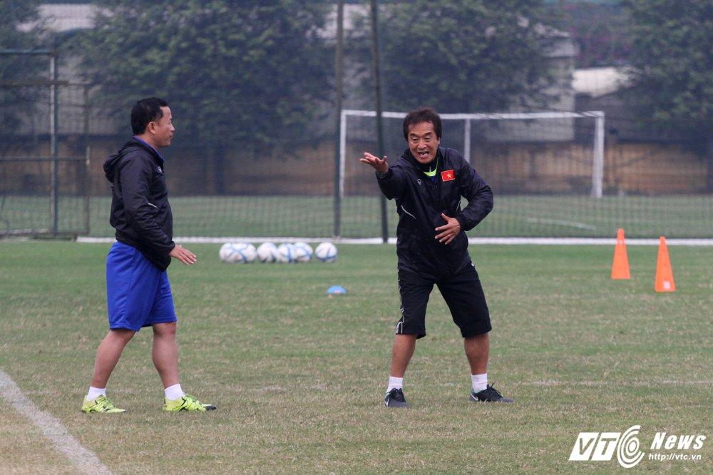 Cong Phuong hoi phuc nhanh, den luot HLV Park Hang Seo chan thuong hinh anh 11