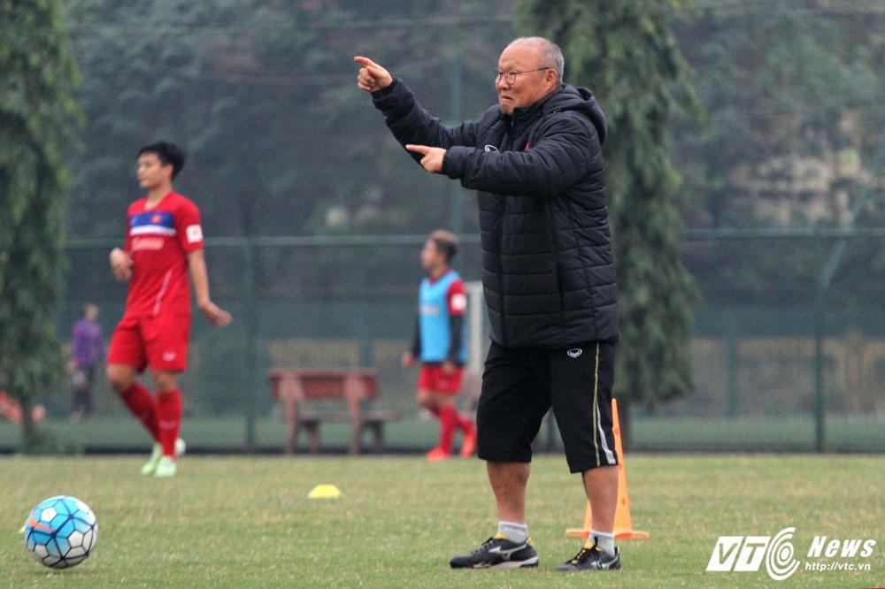 HLV Park Hang Seo: U23 Viet Nam tien bo chua dat yeu cau hinh anh 1