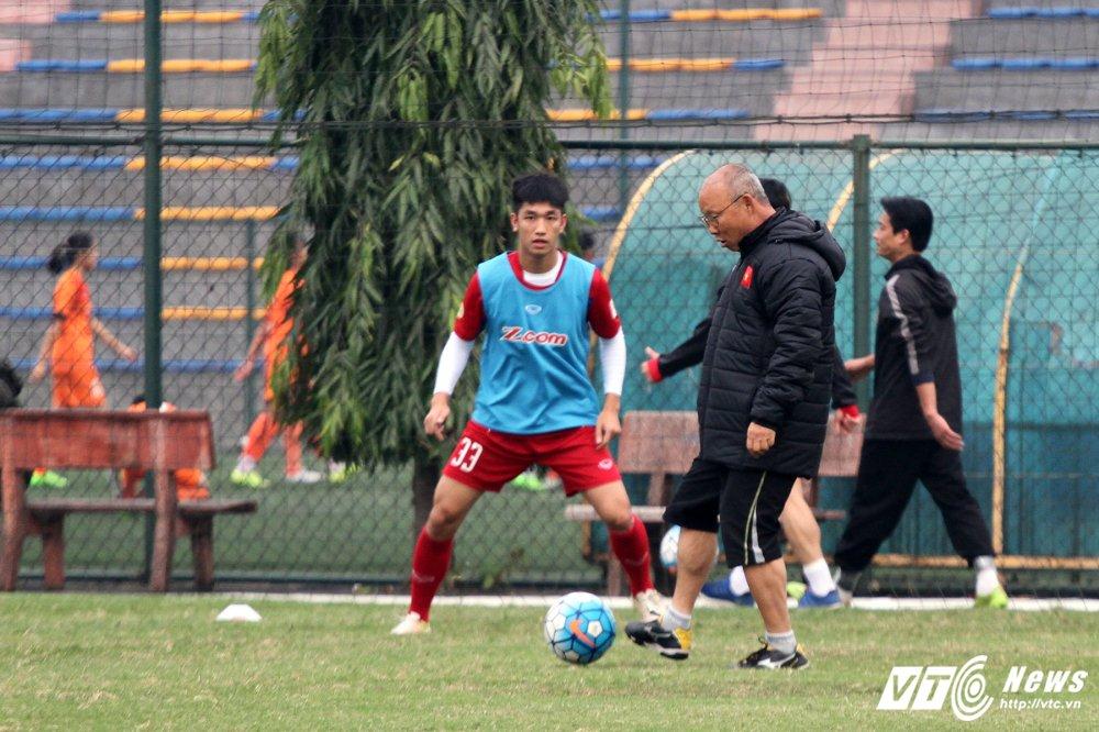 Cong Phuong hoi phuc nhanh, den luot HLV Park Hang Seo chan thuong hinh anh 7
