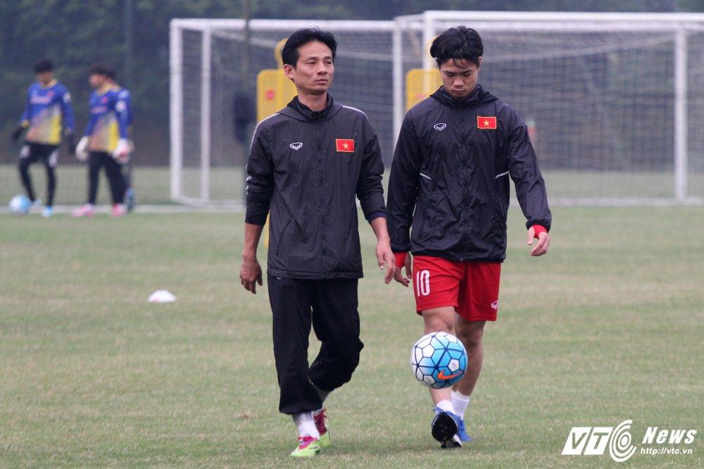 Cong Phuong hoi phuc nhanh, den luot HLV Park Hang Seo chan thuong hinh anh 3