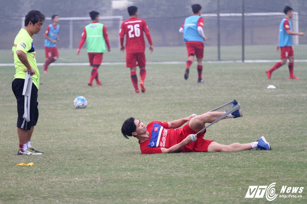 Bi hoc tro 'xau kim', HLV Park Hang Seo nga lan ra san hinh anh 12