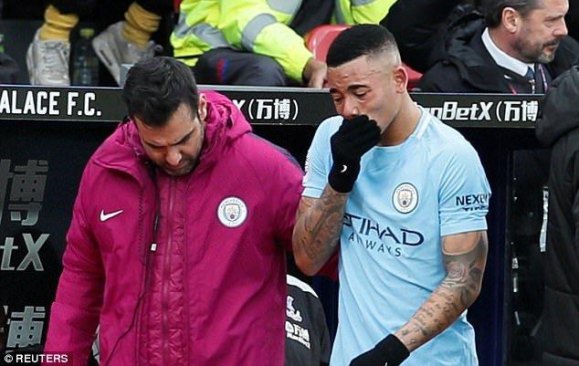 Sao tre Man City roi nuoc mat roi san, HLV Guardiola trach Ngoai Hang Anh tho bao hinh anh 3