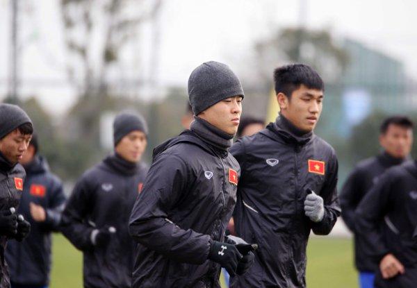 U23 Viet Nam tap kin, doi mu trum khan chong gia ret o Trung Quoc hinh anh 1