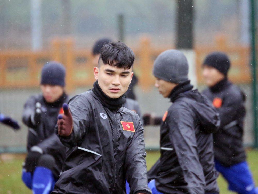 U23 Viet Nam kho luyen trong gia lanh, quyet giu bi kip dau dai gia Chau A hinh anh 2