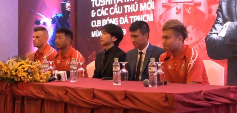 HLV Le Thuy Hai: Cuu cau thu MU ve Viet Nam khong chac da lam duoc gi! hinh anh 3