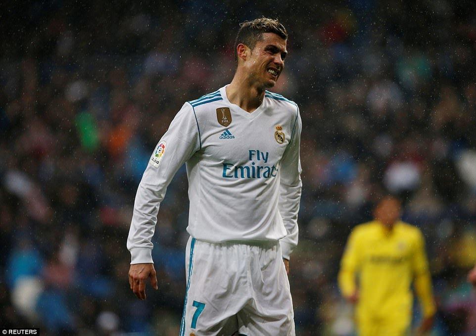 Ronaldo van tit ngoi, Real Madrid thua soc tren san nha hinh anh 1