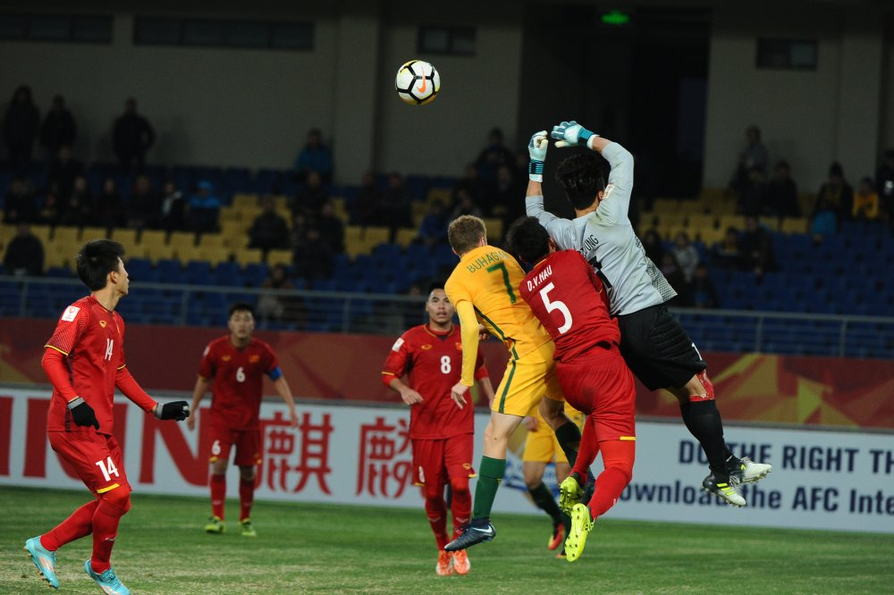 Qua coi thuong U23 Viet Nam, U23 Australia phai tra gia dat hinh anh 2