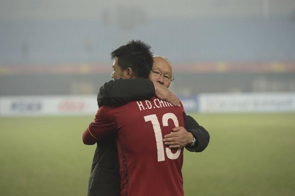 HLV Park Hang Seo: 'Toi sao dam sanh bang Guus Hiddink' hinh anh 1
