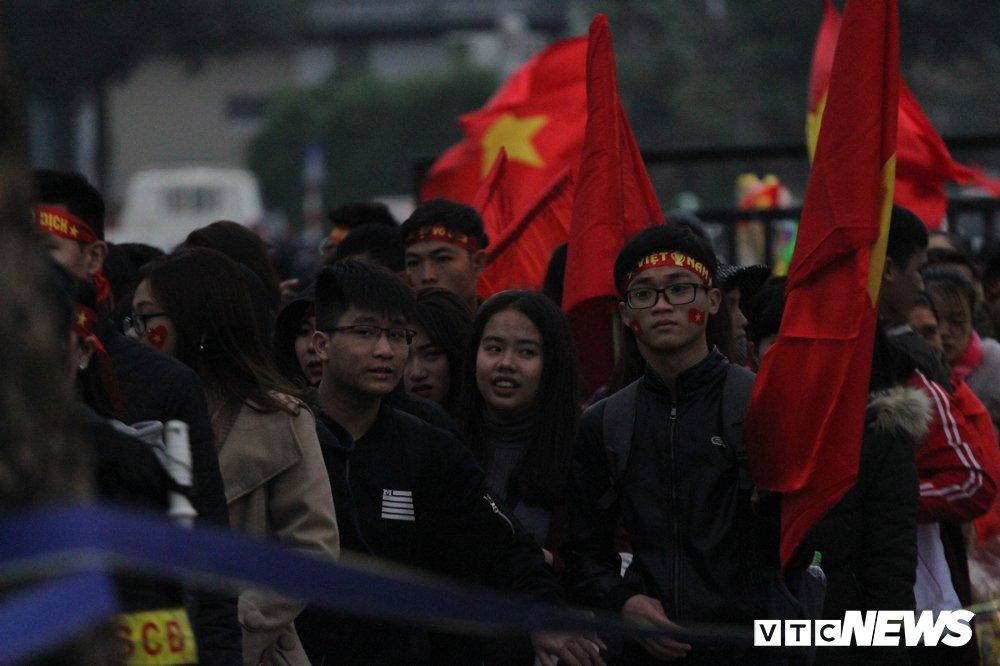Truc tiep: San My Dinh ruc sang dem Gala mung cong U23 Viet Nam hinh anh 22