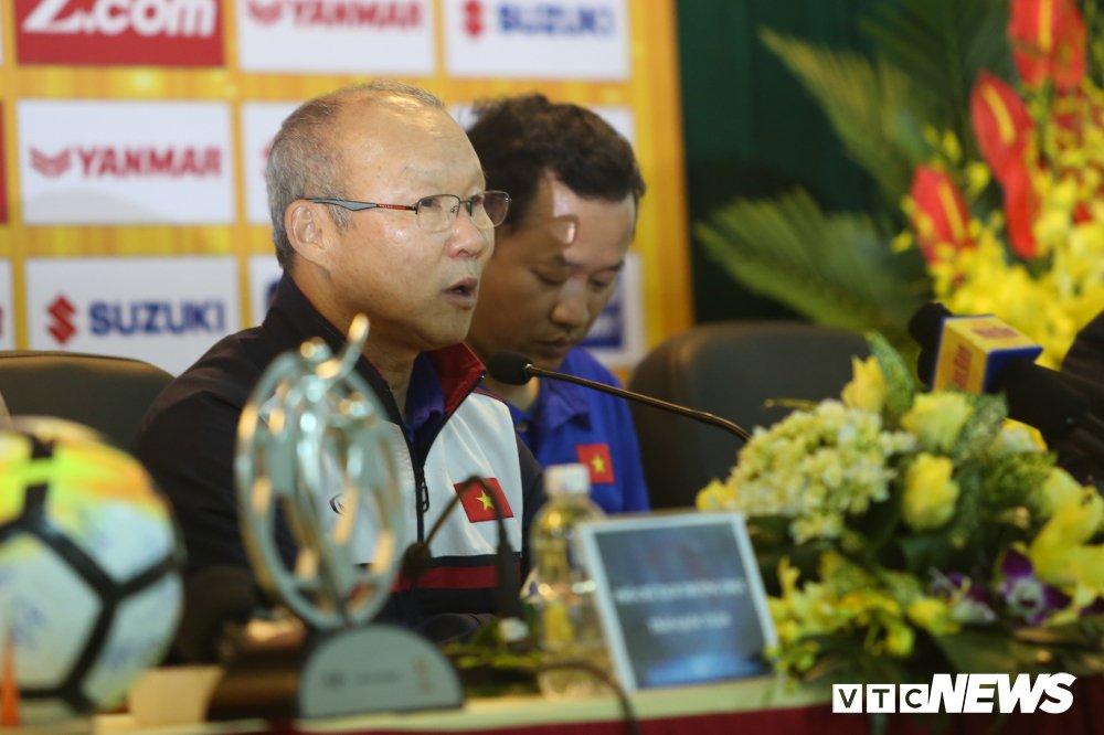 Truc tiep: HLV Park Hang Seo chia se ve ky tich phi thuong cua U23 Viet Nam hinh anh 1