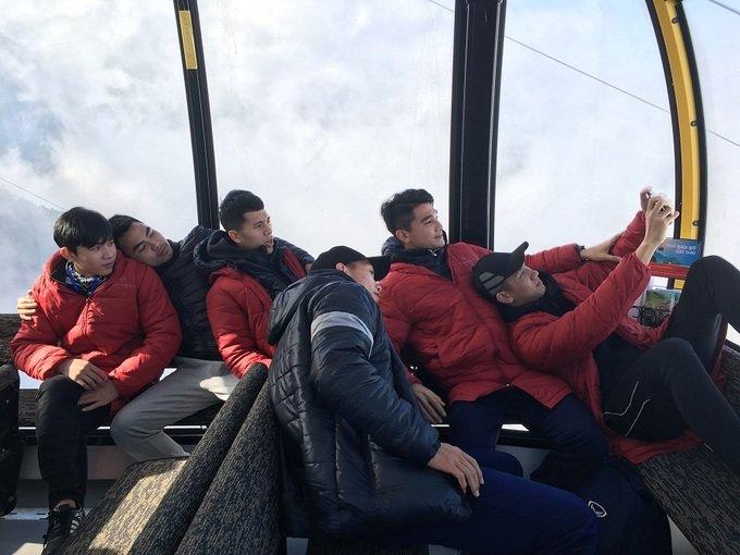U23 Viet Nam thuong co tren dinh Fansipan, truyen lua chien thang cho tuyen nu Viet Nam hinh anh 11