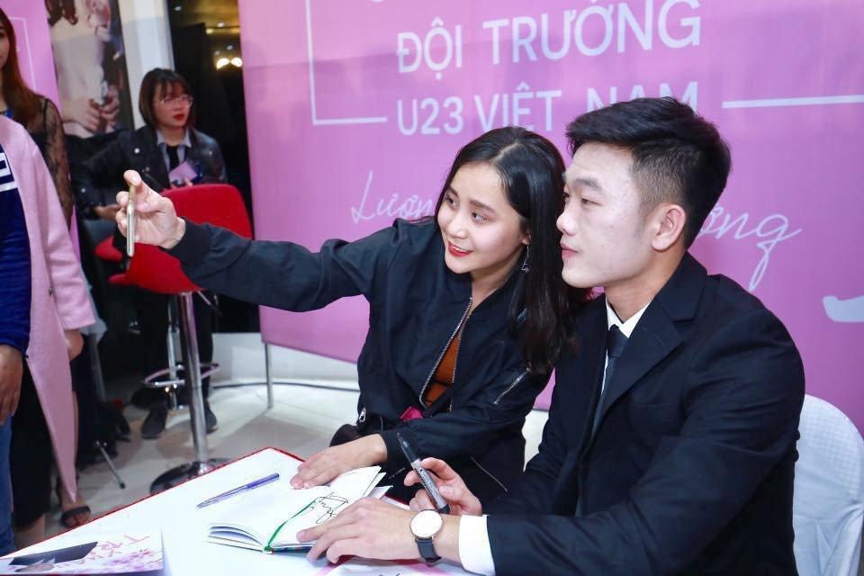 Fan nu xot xa nhin Xuan Truong 'trat phan' mat trang bech hinh anh 1