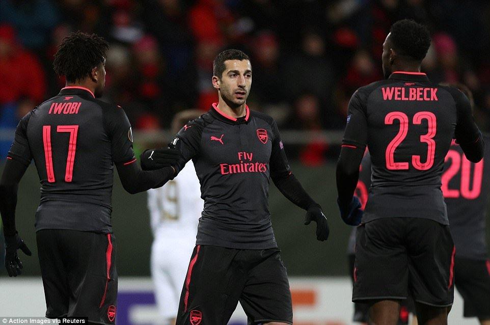 Arsenal dai thang o Europa League trong dem giao thua hinh anh 1