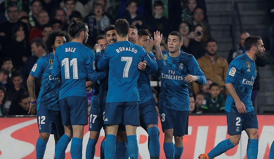 Thang tung bung, Real Madrid cham ky luc chua tung co cua bong da Tay Ban Nha hinh anh 1