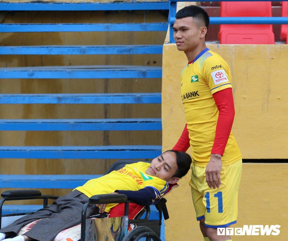 Xuc dong hinh anh cau thu U23 Viet Nam gap go CDV dac biet nhat Nghe An hinh anh 1