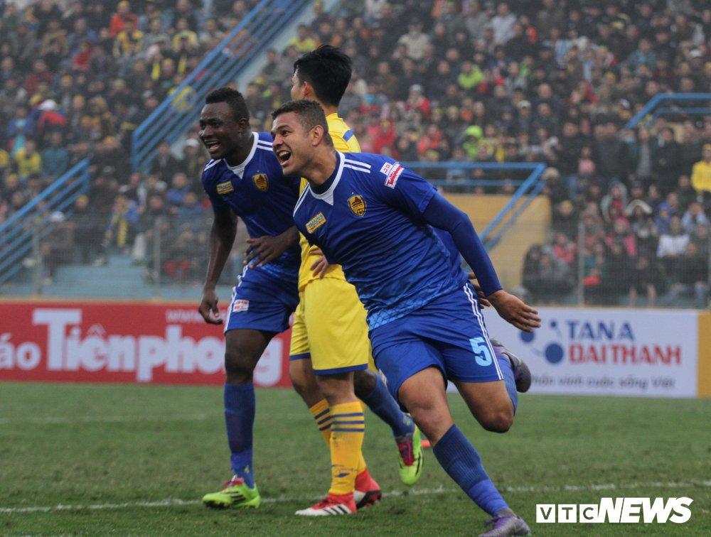 Xem truc tiep Quang Nam vs SLNA tranh Sieu Cup Quoc gia 2018 hinh anh 3