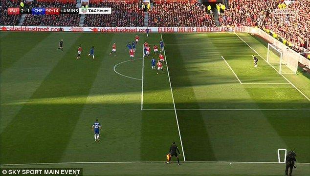 Chelsea bi 'cuop' ban thang, HLV Conte doi them cong nghe ho tro trong tai hinh anh 1