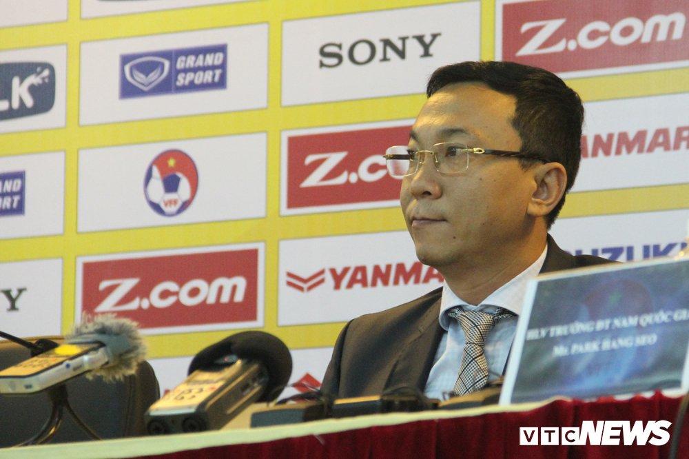 Nguyen Chu tich VFF Mai Liem Truc: Ai dac cu cung phai tap hop suc manh cua ca VFF hinh anh 2