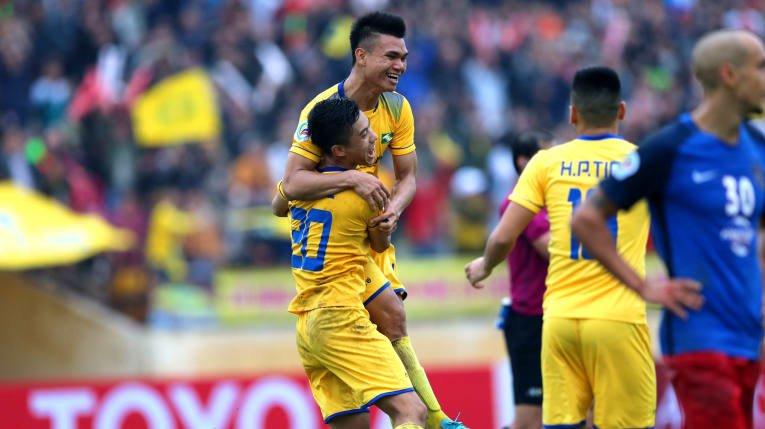 Vong 4 V-League: Ha Noi but toc, HAGL khat chien thang dau tien hinh anh 2