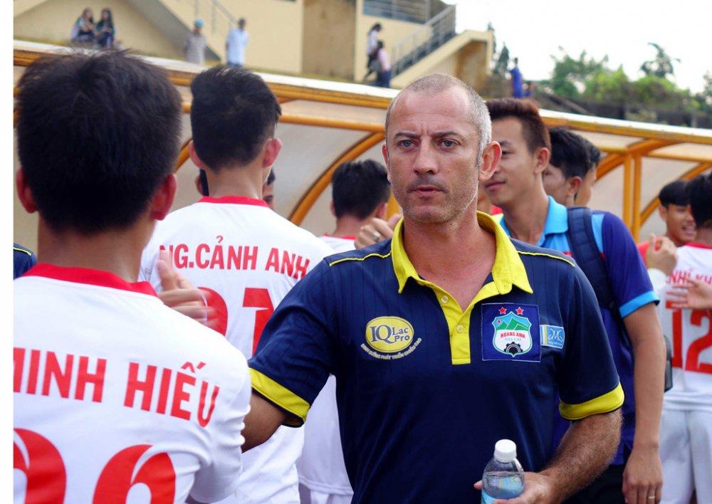 Thua dau U19 Viettel, thay Giom trach dan em Cong Phuong 'cu 5 phut lai mat bong' hinh anh 1