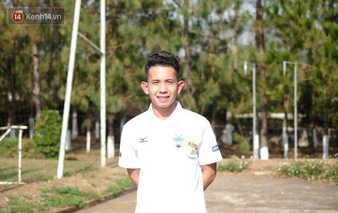 Nguyen Phong Hong Duy: 'Toi khong cam thay ban than noi tieng' hinh anh 1