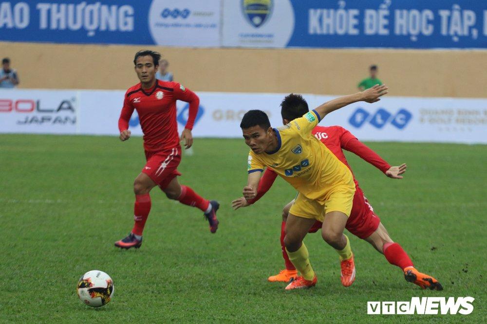 Video truc tiep FLC Thanh Hoa vs TP.HCM vong 2 V-League 2018 hinh anh 4