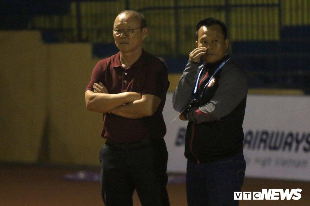 HLV Park Hang Seo xuong tan san dan do, CDV vay kin phong thay do cho Bui Tien Dung hinh anh 9
