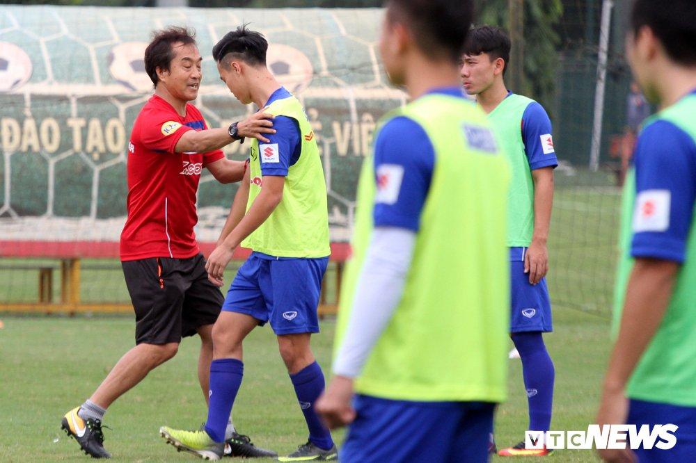 Van Toan phai du bi vi dinh kien cua 'canh tay phai' thay Park? hinh anh 2