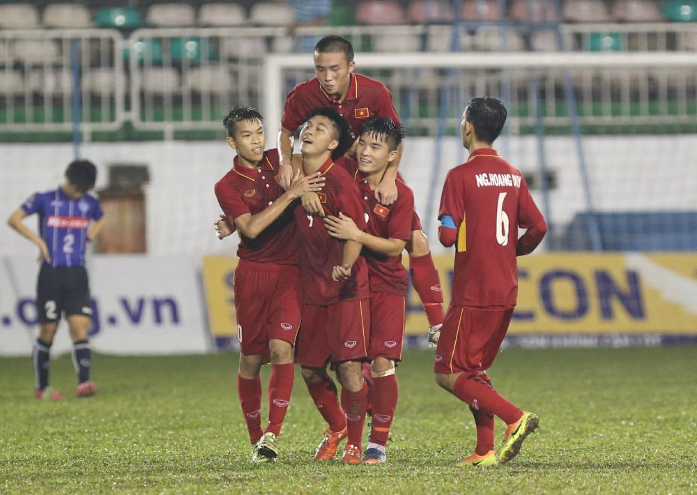 Danh bai doi bong Nhat Ban, U19 Viet Nam toan thang giai U19 Quoc te hinh anh 1