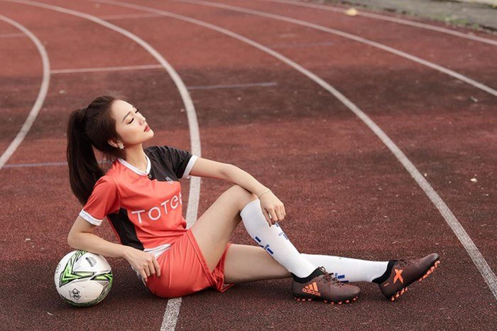 Ngam nguoi dep top 10 Hoa hau hoan vu nghi dang hen ho sao U23 Viet Nam hinh anh 8