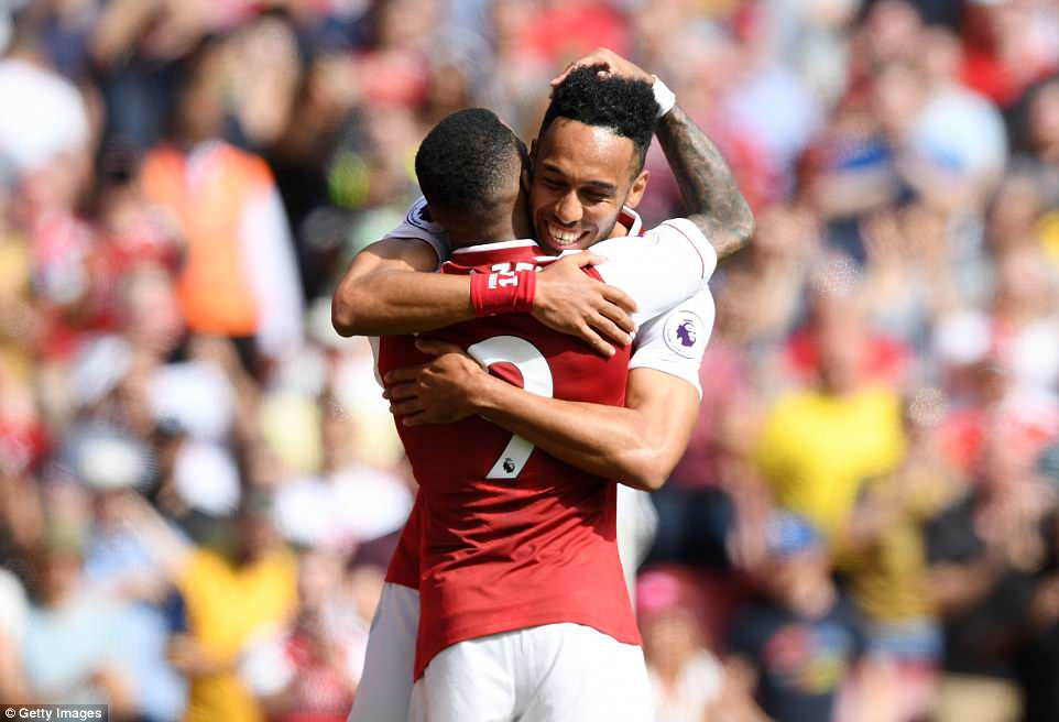 Ghi 3 ban trong 7 phut, Arsenal chay da hoan hao cho dau Atletico Madrid hinh anh 1
