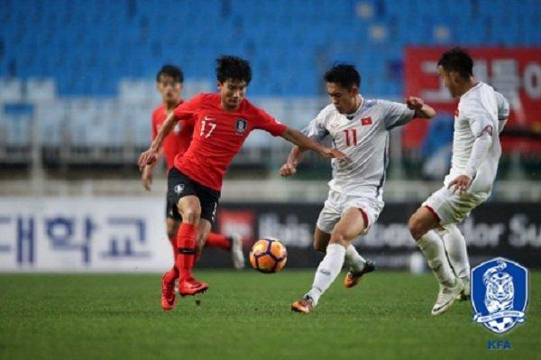 Bao Han Quoc ngan ngam voi doi nha, het loi khen ngoi U19 Viet Nam hinh anh 1