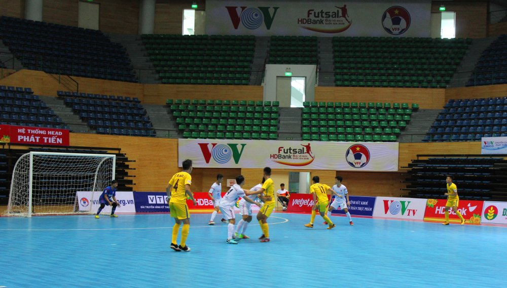 Vong loai Futsal VDQG HDBank 2018: Cao Bang soan ngoi dau, Vietfootball suyt gay bat ngo hinh anh 1