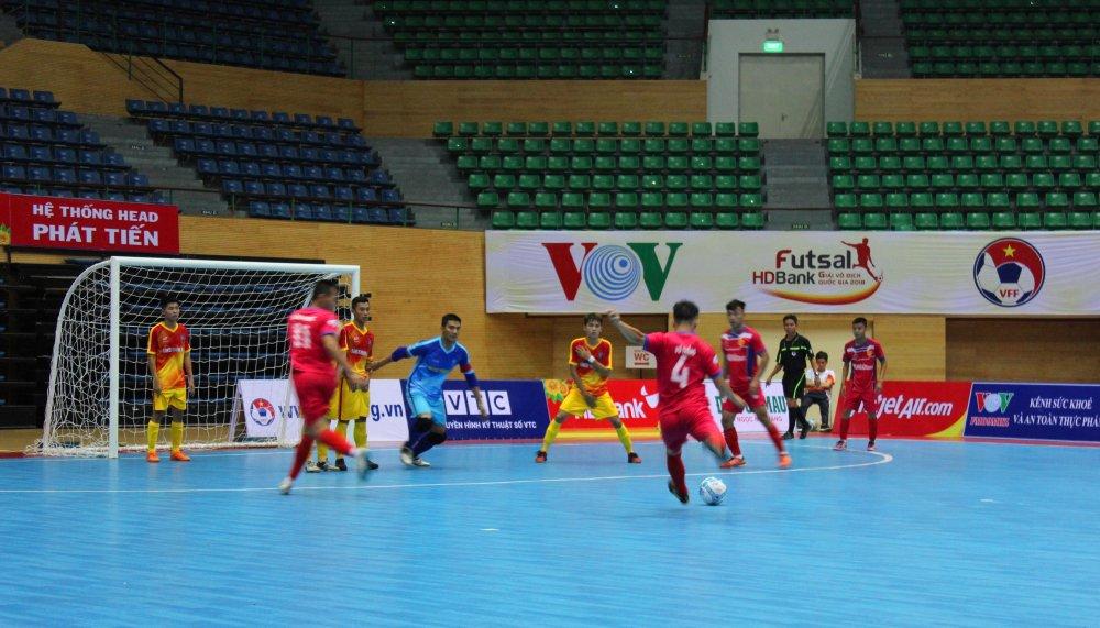 Vong loai Futsal VDQG HDBank 2018: Cao Bang soan ngoi dau, Vietfootball suyt gay bat ngo hinh anh 2