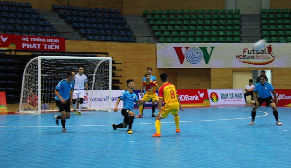 Vong loai Futsal VDQG HDBank 2018: Kim Toan Da Nang nguoc dong gianh ve di tiep hinh anh 1