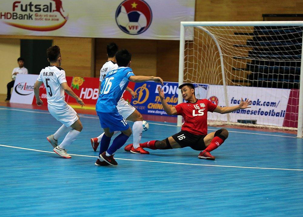 Futsal HDBank VDQG 2018: Duong kim vo dich Thai Son Nam ra quan thang loi hinh anh 1