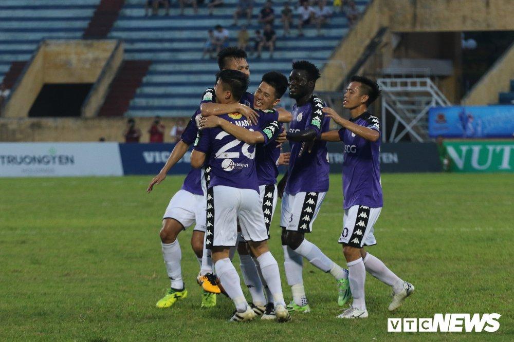 Truc tiep Ha Noi FC vs Sanna Khanh Hoa BVN vong 11 V-League 2018 hinh anh 4