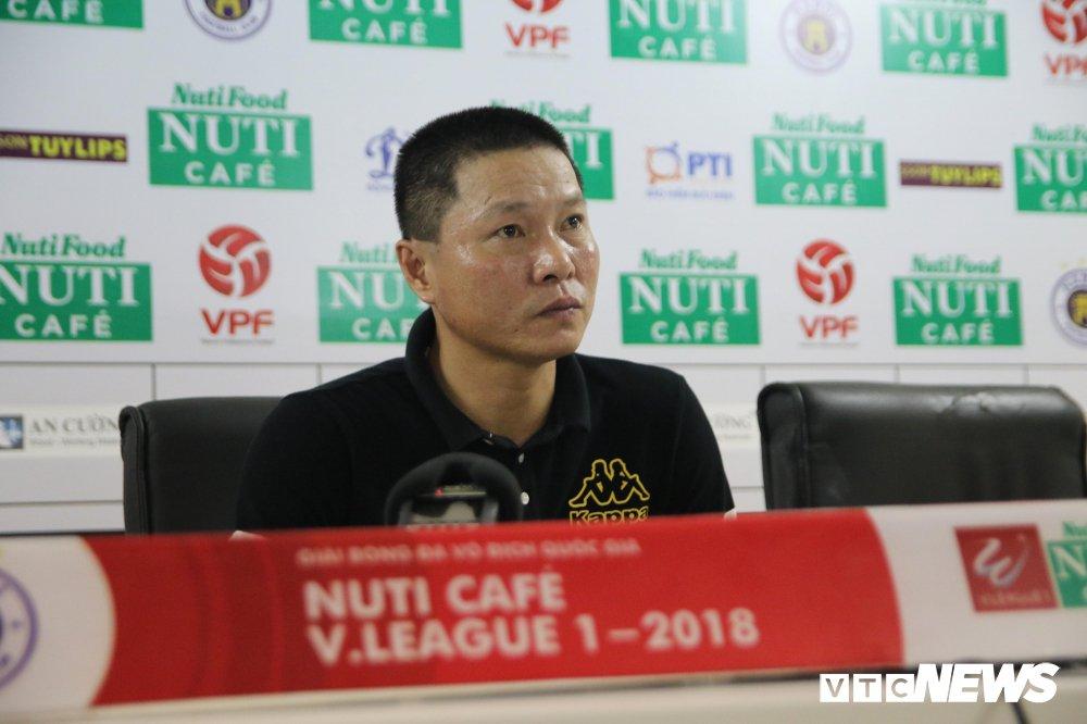 HLV Ha Noi FC: Vo dich luot di V-League chi mang y nghia tinh than hinh anh 1