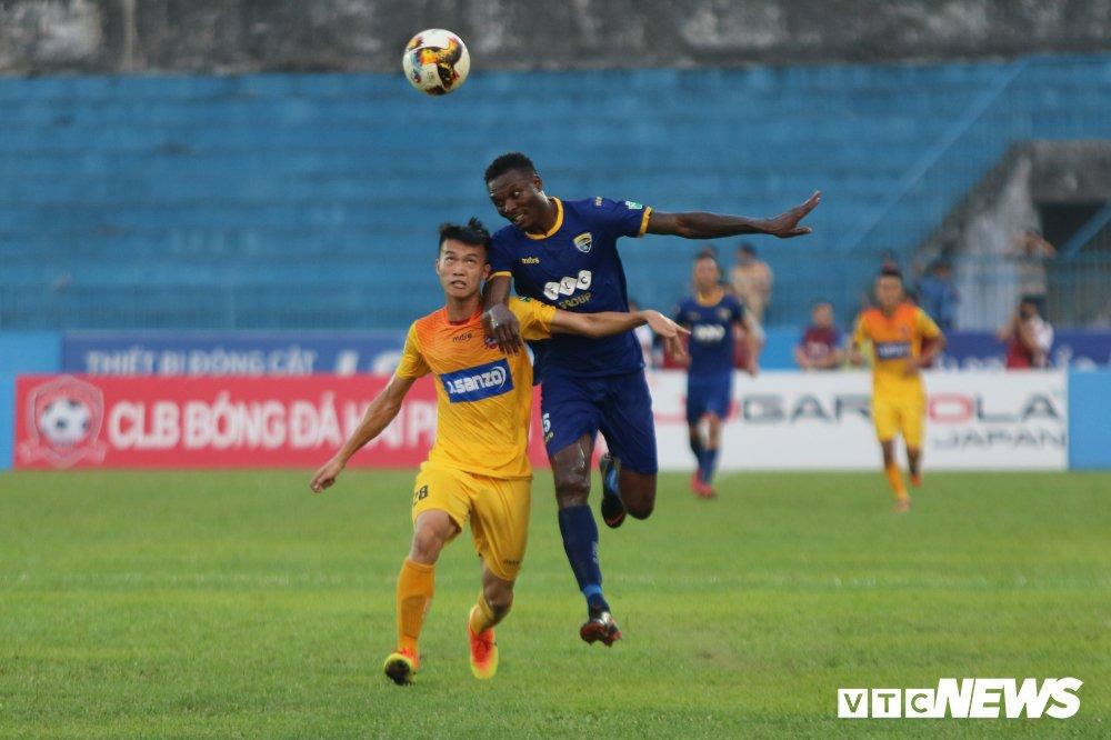 Thanh tich bet bat, FLC Thanh Hoa het kien nhan voi ngoai binh tung da Serie A hinh anh 1