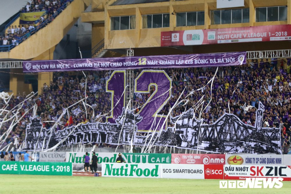 Sinh nhat 12 tuoi, CLB Ha Noi ngao nghe tren dinh V-League hinh anh 1