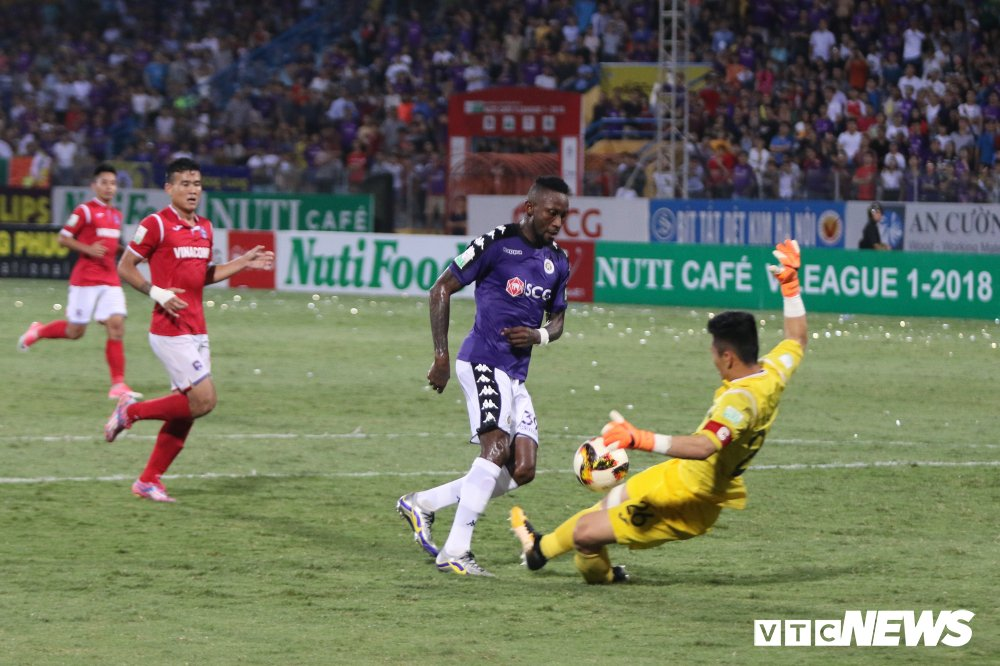 Sinh nhat 12 tuoi, CLB Ha Noi ngao nghe tren dinh V-League hinh anh 13