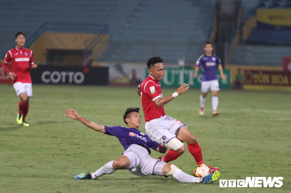 Sinh nhat 12 tuoi, CLB Ha Noi ngao nghe tren dinh V-League hinh anh 2