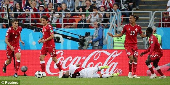 Video ket qua Phap vs Peru: Mbappe toa sang de di vao lich su hinh anh 17
