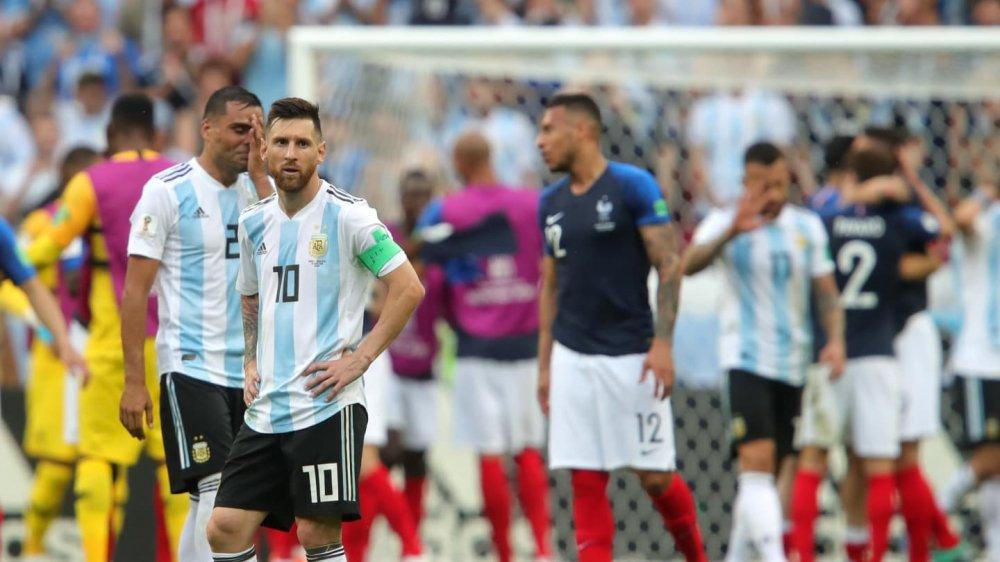 HLV Sampaoli: Argentina lam moi thu cho Messi, nhung luc duoc luc khong hinh anh 1