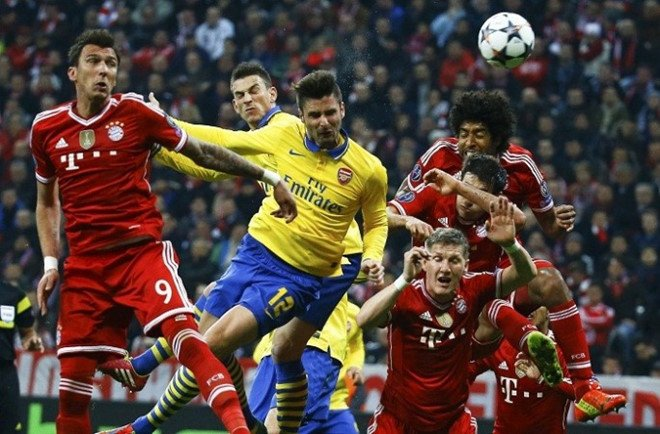 Olivier Giroud vs Mario Mandzukic: Nhung mon do co dat gia hinh anh 3