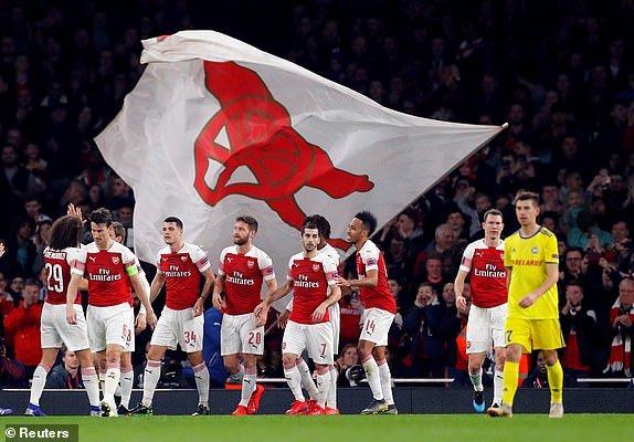Vong 1/16 Europa League: Cap trung ve lap cong dua Arsenal di tiep hinh anh 3
