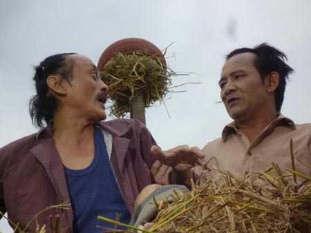 Cuoi ru ruoi khi ve tham lang cua nghe si Han Van Tinh hinh anh 3
